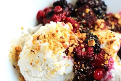 Dessert express sans stress: glace coco et fruits rouges, fruits secs grillés !