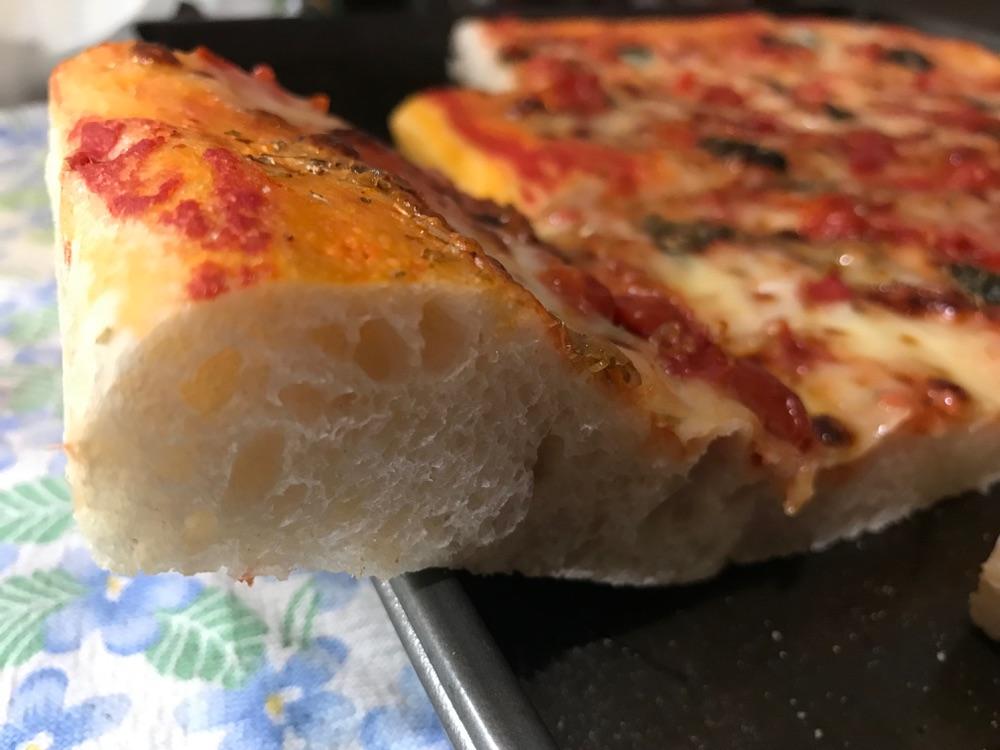 Ricetta Pizza Napoletana Teglia.Pani Quotidiani La Pizza In Teglia Zozza Napoletana