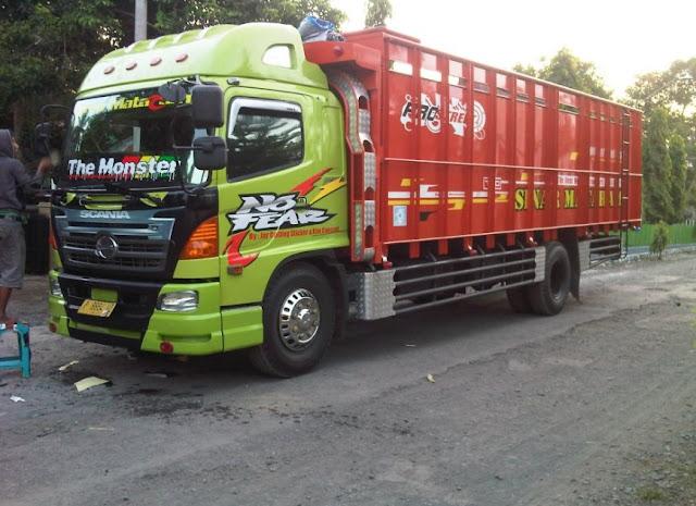 modif truk tronton full variasi