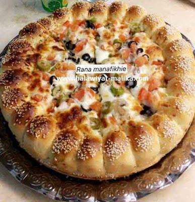 بيتزا هشة بالجبن