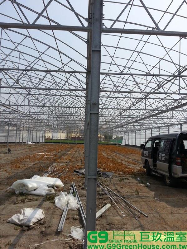 每一米焊接一塊角鐵在H鋼支柱內外側鋼材完成外觀