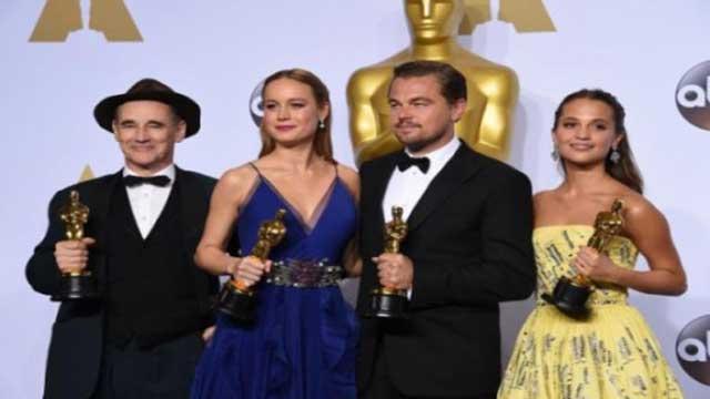 ليوناردو ديكابريو يحصل على جائزة الأسكار كأفضل ممثل لسنة 2016!