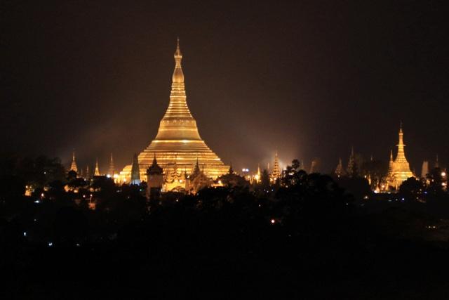Yangon de noche