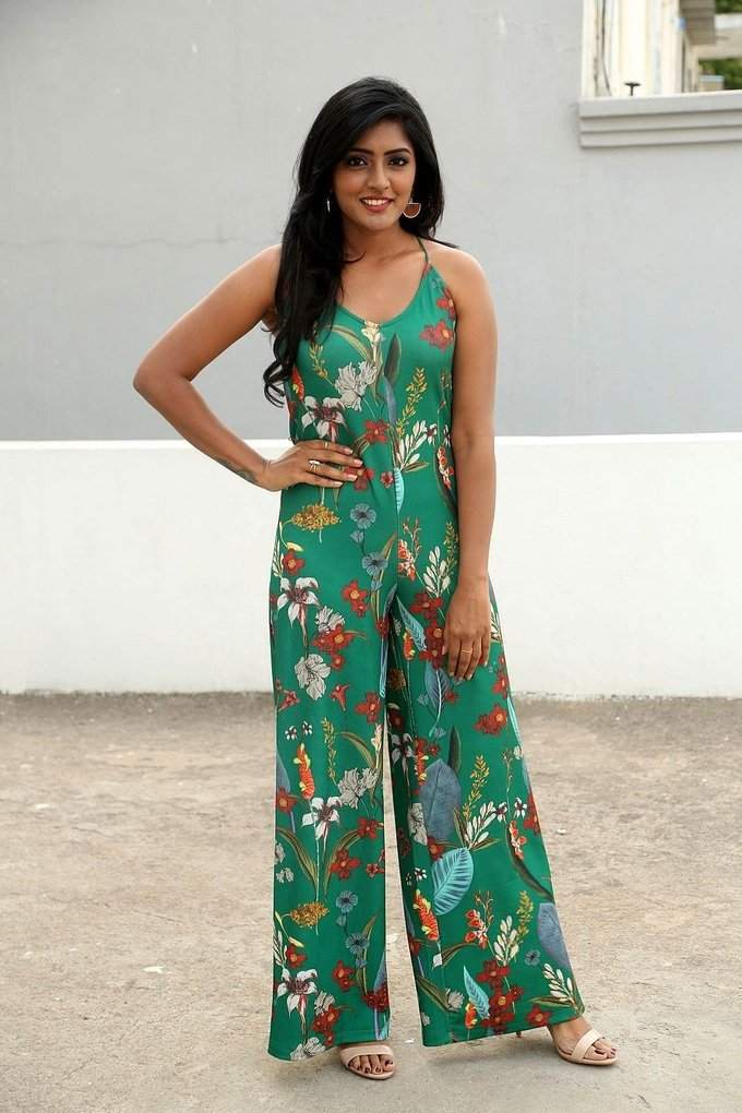 Eesha Rebba latest Oily Wet Face Stills In Green Dress