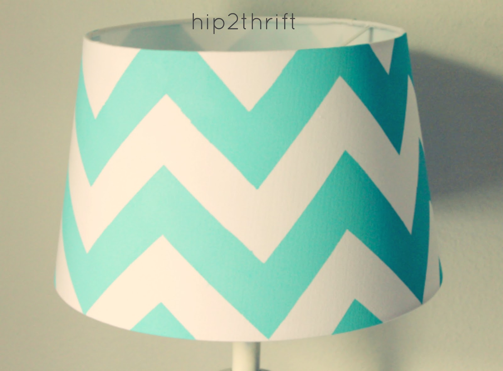 hip2thrift: How to make your own Chevron Lamp {Tutorial}