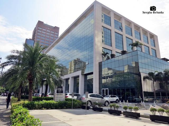 Vista ampla da Torre II do complexo CGD Corporate Towers - Água Branca - São Paulo