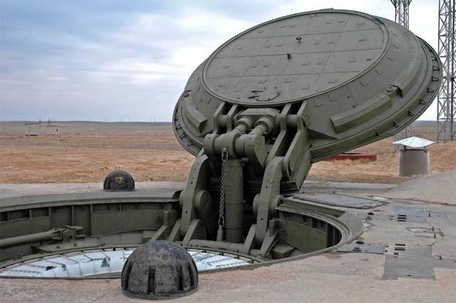 """Pasukan Rudal Strategis Rusia melakukan peluncuran rudal balistik antarbenua """"yars"""""""