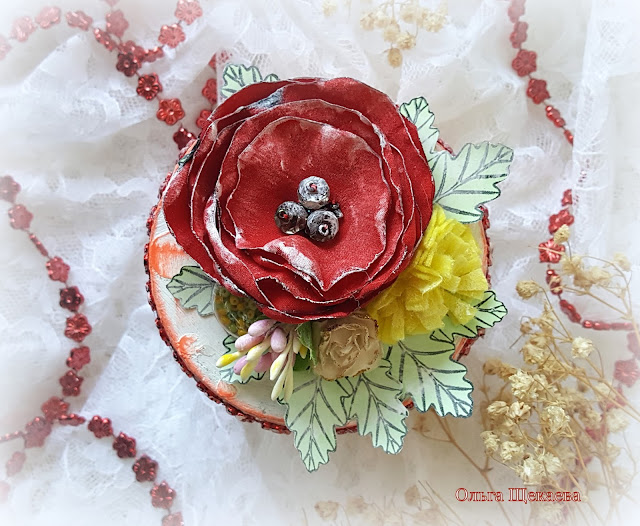 шкатулка, из бобинки от скотча. самодельные цветы