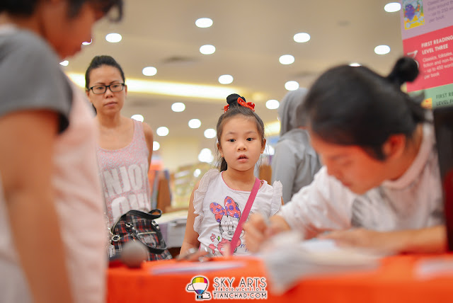 Curious kid 'Once Upon A Miao' - Akiraceo's BookTalk & Autograph @ MPH Mid Valley