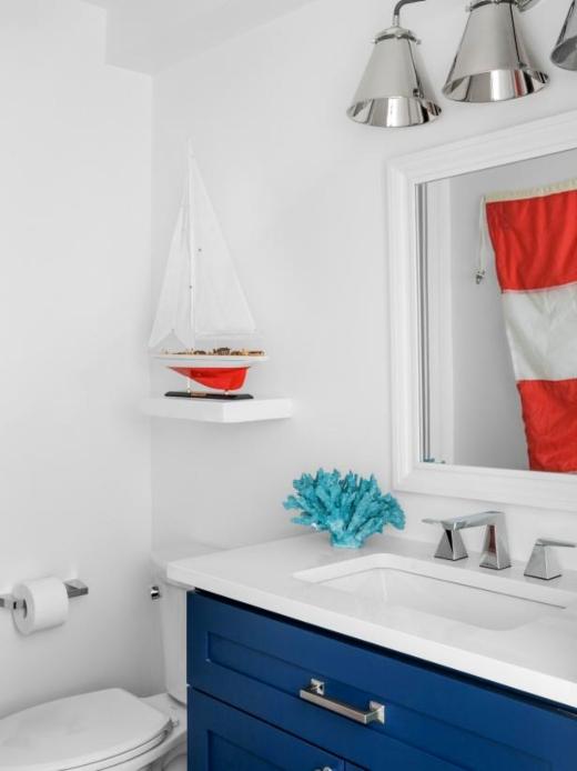 Coastal Americana Style Red White Blue Bathroom Idea