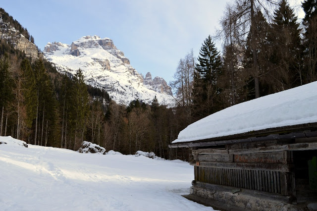 cascate di vallesinella inverno neve ciaspole