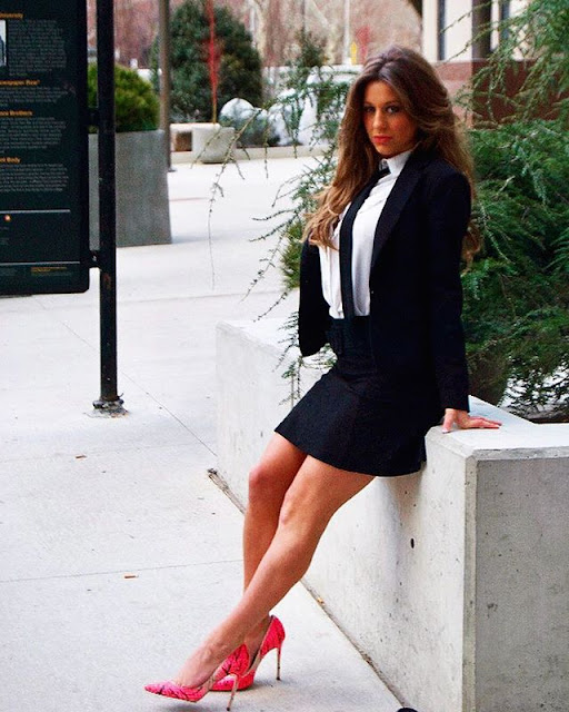 Emma DiGiovine Hot & Sexy Pics