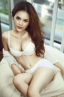 Hình ảnh khỏa thân phụ nữ 100% không mặc gì