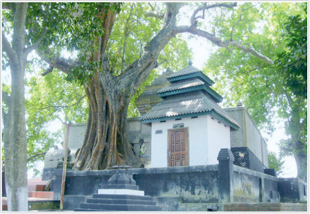 Religi Siti Hinggil ;Destinasi Wisata Mojokerto
