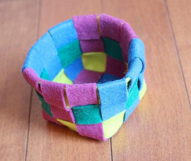 Woven Felt Basket Tutorial & Pattern
