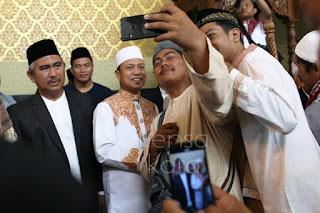 Sholat Idul Adha Bersama Ustadz Das'Ad Latif - Tarakan.Info