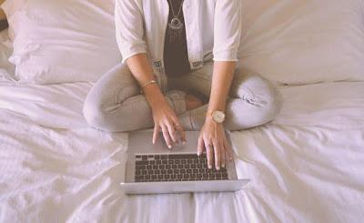 Penggunaan laptop diatas benda yang lembut beresiko
