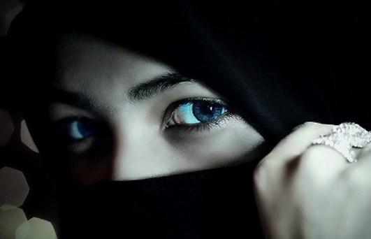 Cantik Tak Harus Pamer Aurat, Begini 9 Tips Menjadi Wanita Cantik Dalam Islam