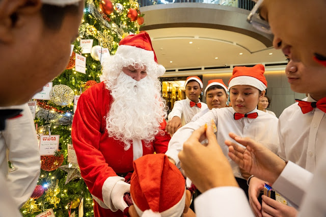 Santa Claus is coming to JW Marriott KL Bukit Bintang