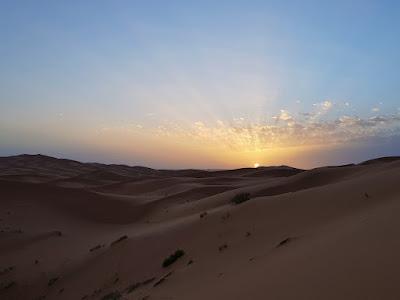 alba nel deserto del sahara