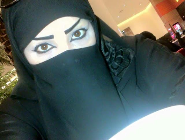 أنا ريهام من السعودية مقيمة بجدة أبحث عن زوج مسلم للاستقرار