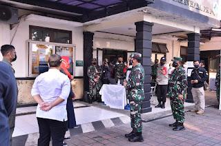 Panglima TNI Cek Penerapan Aplikasi Silacak Dan Inarisk Di Puskesmas Halim Perdanakusuma Jaktim