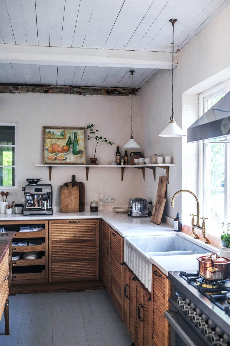 Décor Inspiration: The Most Cosy Mid-Century Kitchen in Sweden
