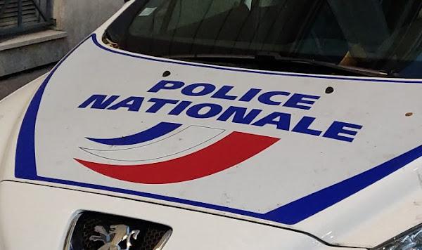 Torcy : Les policiers encerclés, un homme verse du produit inflammable sur leur voiture et met le feu