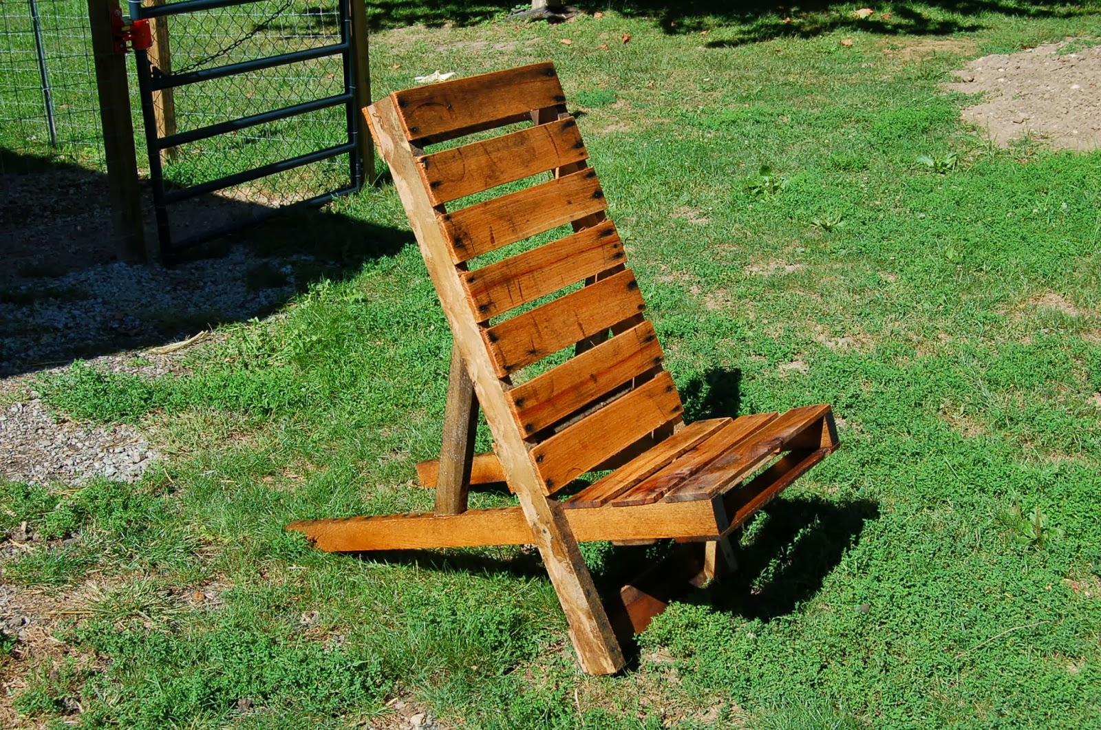 Our Little Backyard Farm Adirondack Chair From Old Pallets