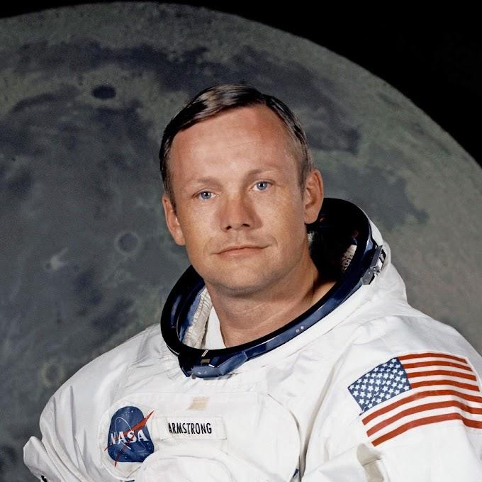 निल आर्मस्ट्राँग यांचे जीवनचरित्र : Neil Armstrong Biography in Marathi