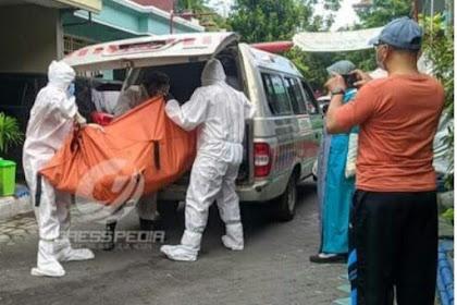 Bau Tak Sedap,Warga Perumahan GKB Ditemukan Meninggal Membusuk