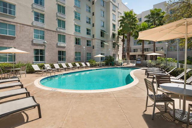 Homewood Suites Tampa Airport Westshore hotel is minutes from the airport with free shuttle, WiFi, daily hot breakfast, evening social and more.