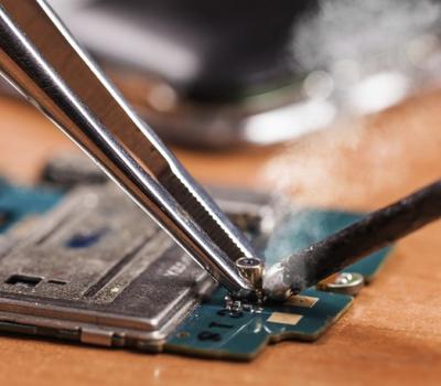 Phones hardware repairs By ArykTECH