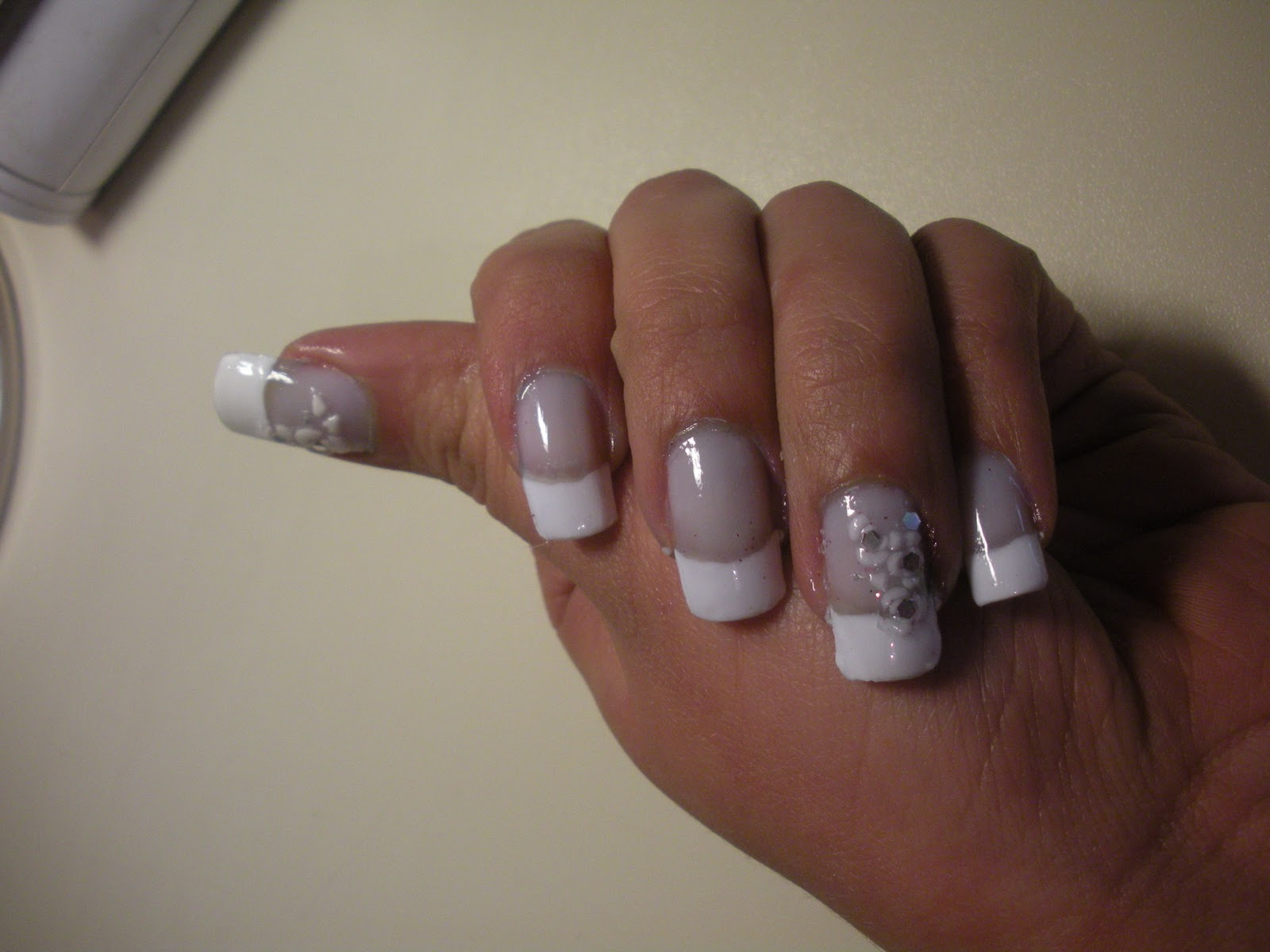 Every Nail Tells A Story French Sposa Total White Roses