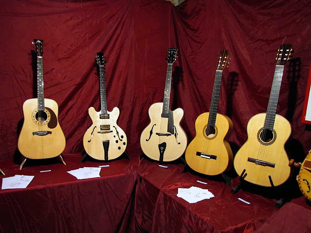Guitars, lutherie workshop, Ivano Colombini, Furio Sciumbata, Simone Coloretti, Livorno