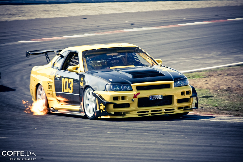 Nissan Skyline R34, napęd, JDM, japoński sportowy samochód, coupe, kultowy, 日本車 チューニングカー スポーツカー 日産