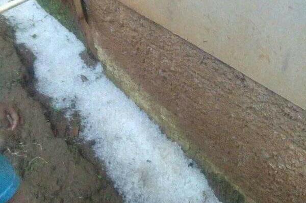 Hujan Es Terjang Wilayah Cipanas