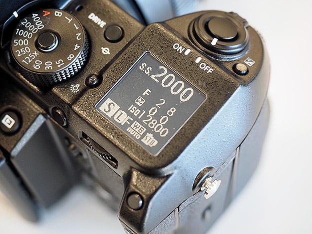 Камера Fujifilm GFX 50S, дополнительный экран (Imaging Resource)