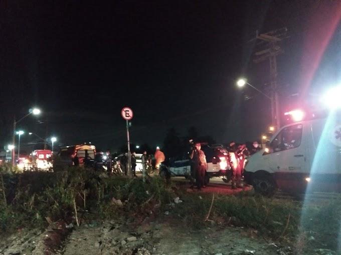Veículo cai embaixo de ponte e motorista morre, em Fortaleza