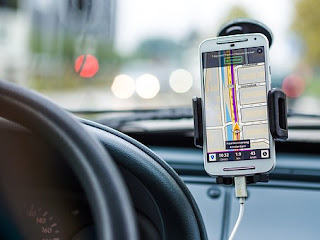 Penjelasan Polisi soal Penggunaan GPS di Ponsel Saat Berkendara