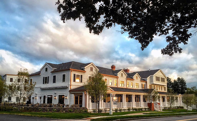 Nestled in the year-round vacation destination of Manchester, VT, Kimpton Taconic Hotel offers guests the beauty & appeal of an old grand resort.