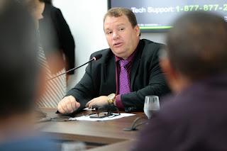 Dr. Neidson requer ao Governo informações sobre obras de infraestrutura em Guajará-Mirim e Nova Mamoré