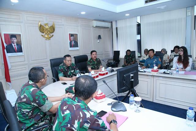 Kapuskes TNI: Lomba Debat Bahasa Inggris Kembangkan Bakat Kreativitas Personel Kesehatan TNI