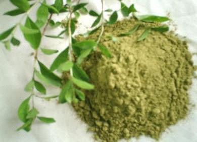 الحناء بالأعشاب لشعر صحي