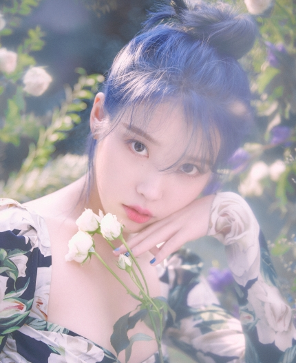 Singer IU topped and ranked first in Idol Chart Ranking following her new comeback!