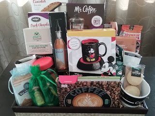 coffee, gift basket