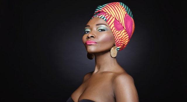 Beaute, astuce, femme, maquillage, noire, coiffure, foulard, cheveux, charme, LEUKSENEGAL, Dakar, Sénégal, Afrique