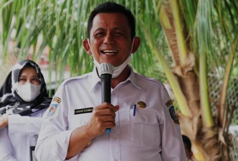 Bersama Baznas Kepri Bagi Paket Logistik, Berikut Harapan Gubernur
