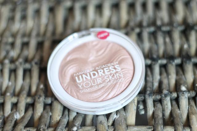 MUA-Undress-Your-Skin-Highlighter