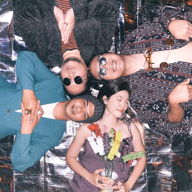Wujud dari Rindu Runtinitas Manggung ala Perona Didebut Single 'Warna'.lelemuku.com.jpg